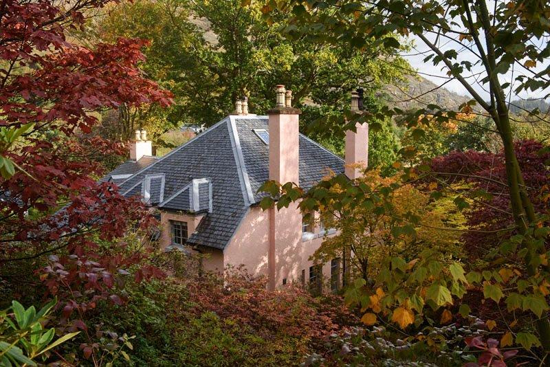 Ard Daraich - Autumn view of house